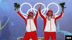 Российские лыжники Никита Крюков и Александр Панжинский в Ванкувере
