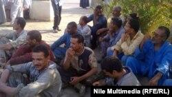 عمال مصريون مضربون عن العمل