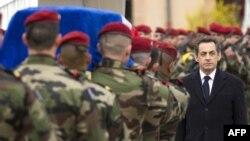 Президент Саркози на похоронах десантников в Монтобане