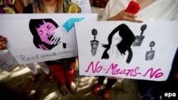 Pamje nga protestat kundër dhunës ndaj grave në Indi.