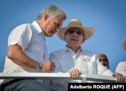 Мигель Диас-Канель и Рауль Кастро