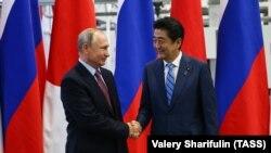 Presidenti i Rusisë, Vladimir Putin, dhe kryeministri i Japonisë, Shinzo Abe. Vladivostok, 10 shtator 2018.