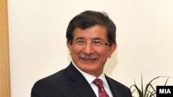 Tурскиот министер за надворешни работи Ахмет Давутоглу