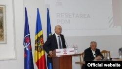 Pavel Filip, președintele Partidului Democrat, și Dumitru Diacov, președintele de onoare. 15 februarie 2020