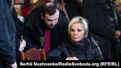 Марія Максакова у день поховання чоловіка Дениса Вороненкова, Київ, 25 березня 2017 року