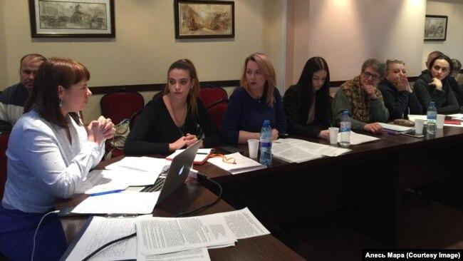 Ганна Канапацкая і МУС падрыхтавалі два розныя законапраекты аб зьмякчэньні «наркатычных» артыкулаў.
