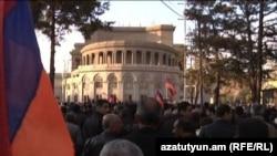 Несанкционированный митинг АНК на площади Свободы в Ереване, 8 апреля 2011 г.