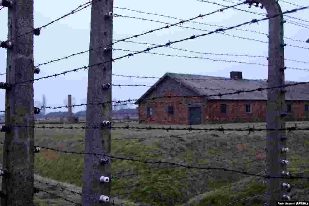 Освенцимде тұтқындарды ұстаған барактардың бірі.