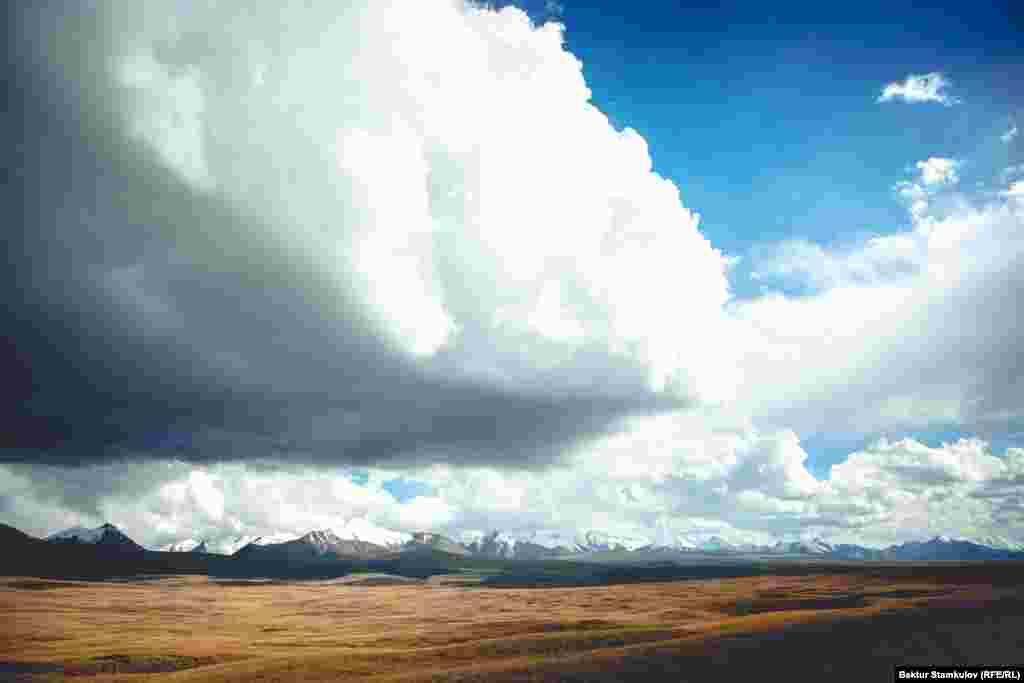 Ущелье Эчкили-Таш. Иссык-Кульская область