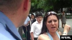 Потасовка между родителями абитуриентов и сотрудниками полиции, Ереван, 15 июня 2010 г.