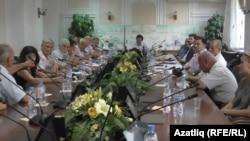 Кырымтатар җәмәгатьчелеге тел мәсьәләсен тикшерә. 21 сентябрь 2017