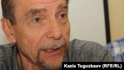 Ресейлік құқық қорғаушы Лев Пономарев. Алматы, 19 мамыр 2012 жыл.