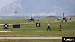 Exerciții militare la baza aeriană din Trapani, 19 octombrie 2015