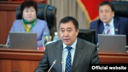 Вице-премьер Абдрахман Маматалиев Жогорку Кеңеште.
