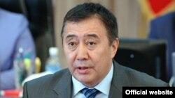 Абдырахман Маматалиев, вице-премьер-министр.