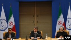 Миср Президенти Муҳаммад Мурсий Қўшилмаслик ҳаракатига аъзо давлатлар саммитида нутқ сўзламоқда.