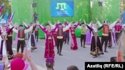 День крымскотатарского флага в Симферополе. 26 июня 2019 года
