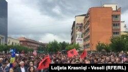 Protesta e opozitës në Prishtinë
