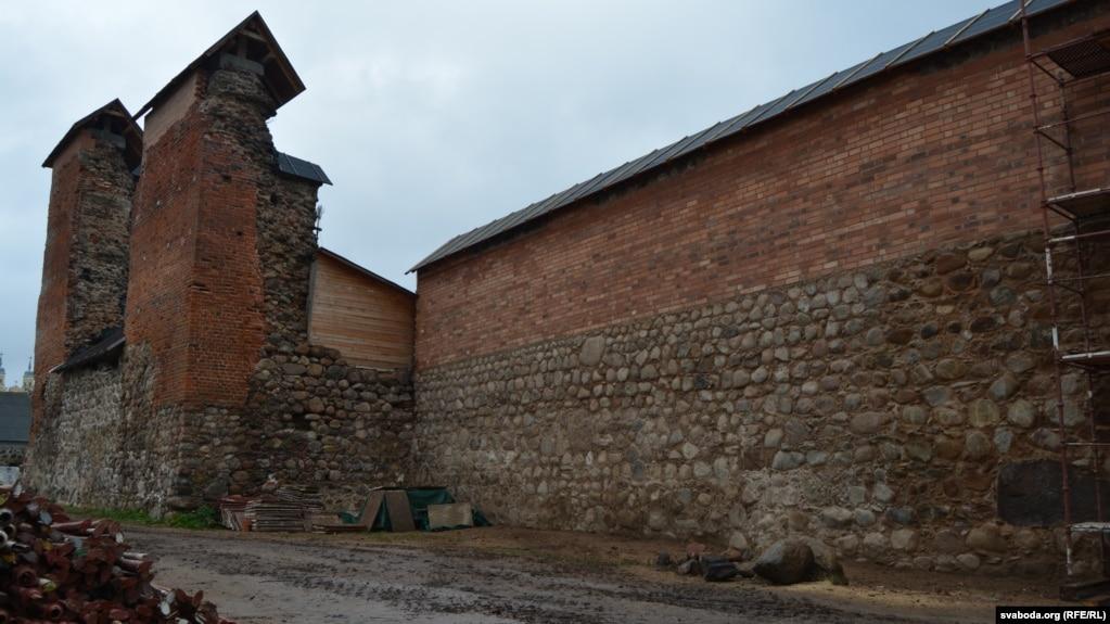 Княская вежа іпачатак паўночна-заходняй сьцяны