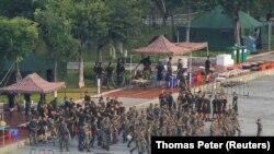 ჩინელი ჯარისკაცები ჰონგ-კონგის ყურესთან, 15 აგვისტო, 2019 წელი