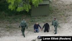 ამერიკელმა მესაზღვრეებმა მექსიკის საზღვართან დააკავეს ორი დამრღვევი. 2018 წლის 4 აპრილი