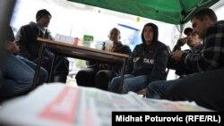 Roditelji iz Konjević Polja pod šatorom u Sarajevu