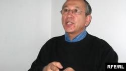 Гражданский активист Тахиржан Ахметов.