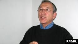 Предприниматель Тахиржан Ахметов, отрезавший себе пол-пальца в прошлом году. Алматы, 9 февраля 2009 года.
