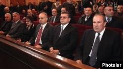Армения – Левон Тер-Петросян (справа) и другие руководители Армянского национального конгресса во время съезда партии, 22 декабря 2012 г.