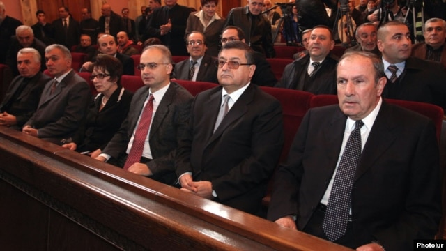 Armenia - Levon Ter-Petrosian (R) and other leaders of the opposition Armenian National Congress (HAK) attend a party convention in Yerevan, 22Dec2012.