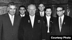 Vəli Axundov, Nazim Hacıyev, Nikita Xruşşov, Niyazı və başqaları
