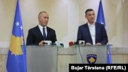 Ramush Haradinaj dhe Kadri Veseli në konferecë të përbashkët për media