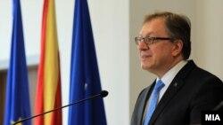 Помошникот генерален секретар на НАТО за јавна дипломатија, амбасадорот Илдем Тачан.