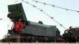 Ракета СС-24 готова до вивезення після вилучення із бункера під Первомайськом. 13 серпня 1998 року. Україна добровільно віддала ядерну зброю під гарантії безпеки від Росії та США