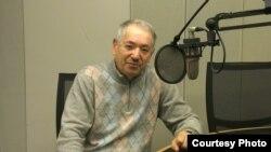 Леонид Юниверг в студии Радио Свобода, Прага