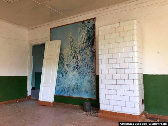 Унутры будынку былой Берштаўскай школы