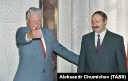 Борис Ельцин и Александр Лукашенко, 1994 год