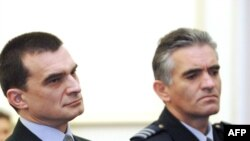 Vladimir Zagorec (l) na početku suđenja u Zagrebu.