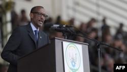 Президент Руанды Поль Кагаме выступает на церемонии в память о жертвах геноцида. Кигали, 7 апреля 2014 года.