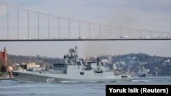 The Russian Navy's frigate Admiral Makarov sets sail in the Bosphorus on its way to the Mediterranean Sea on February 28.