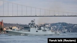 Rusiyanın Admiral Makarov freqatı fevralın 28-də Bosfordan keçib
