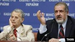 Мустафа Джемілєв (л), Рефат Чубаров