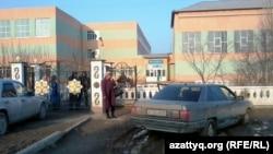 Школа в селе Баиркум Южно-Казахстанской области. 21 февраля 2014 года.