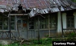 Casa George Enescu de la Mihăileni înainte de restaurare