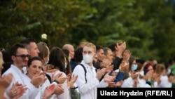 Belarus - Norozilik aksiyasiga chiqqan tibbiyot xodimlari. 12 avgust.