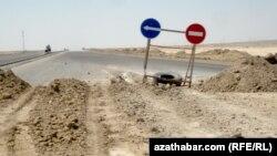 Aşgabat-Balkanabat: Gurluşygy tamamlanmaýan ýol