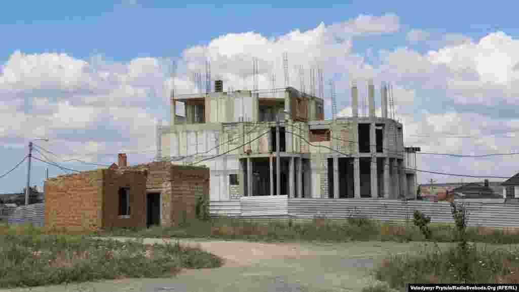 Недобудований культурний центр
