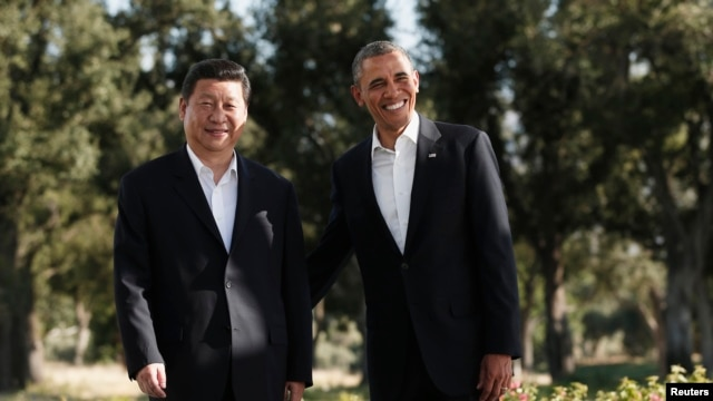 Chinese President Xi Jinping (left) and U.S. President Barack Obama at a meeting in California on June 7