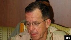 رئيس هيئة الاركان المشتركة الادميرال مايك مولن