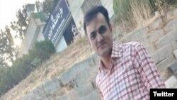 سعید ملکپور در مقابل زندان اوین